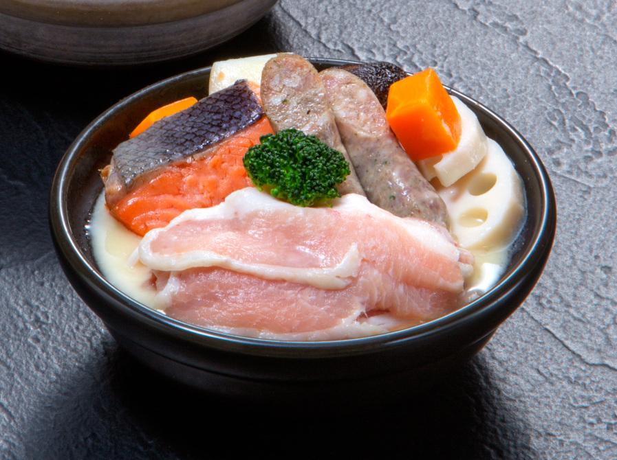 奥出雲豚と秋鮭の吟醸鍋